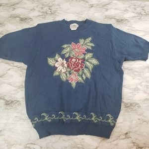 VTG Medium Short Sleeve Sweater